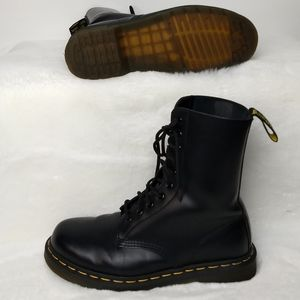 Dr. Marten's 1490 Smooth Leather Boots